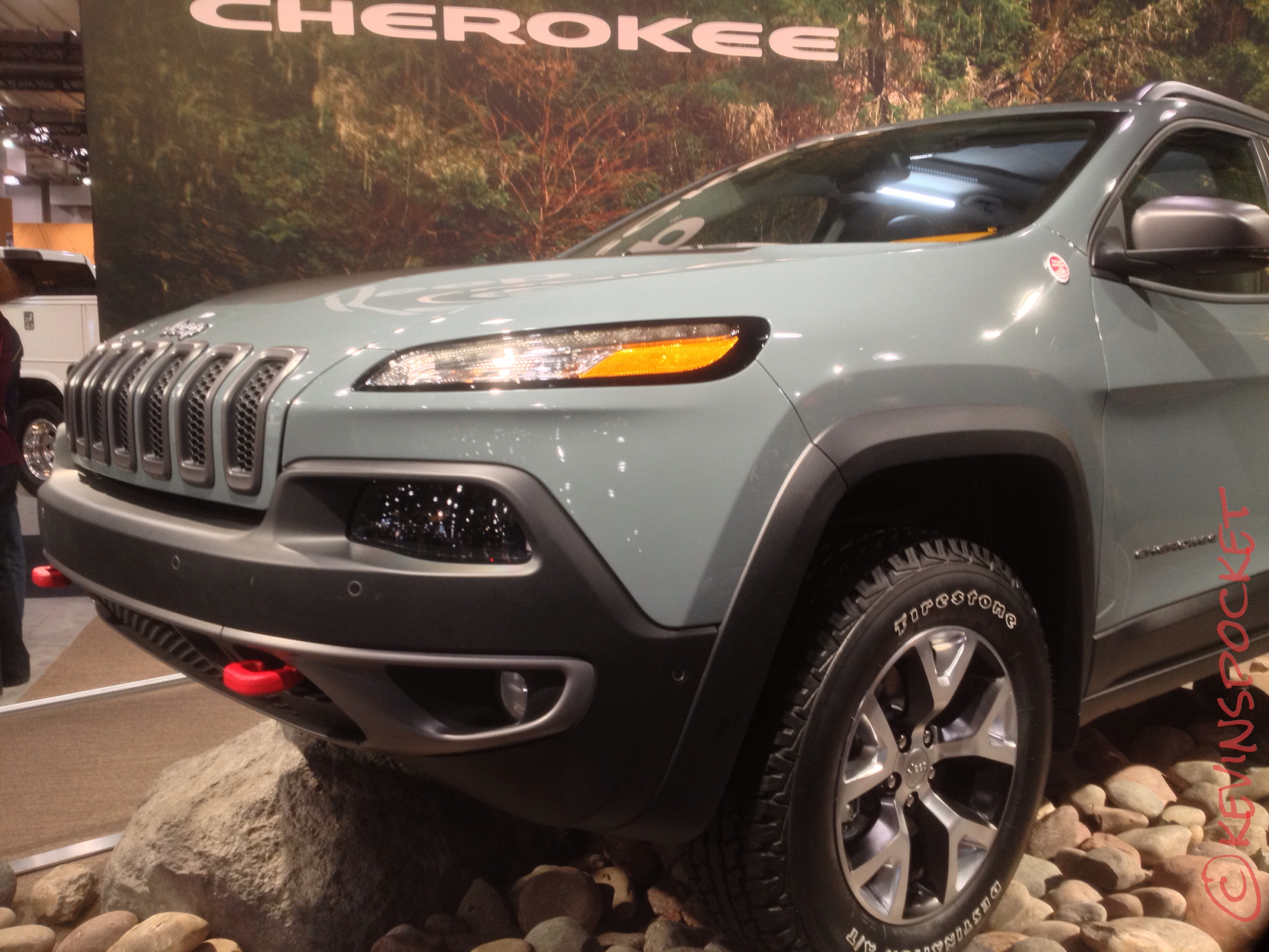 news manufacturer limited used com jeep autoguide review compass