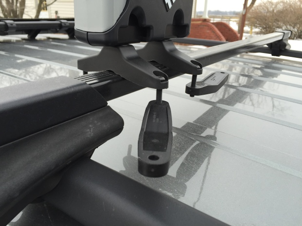 Thule-snowboard-rack-575-jeep-patriot005