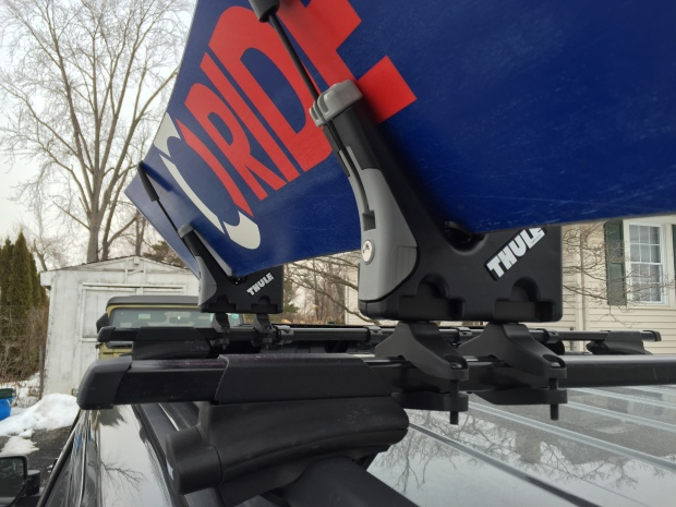 Thule-snowboard-rack-575-jeep-patriot006