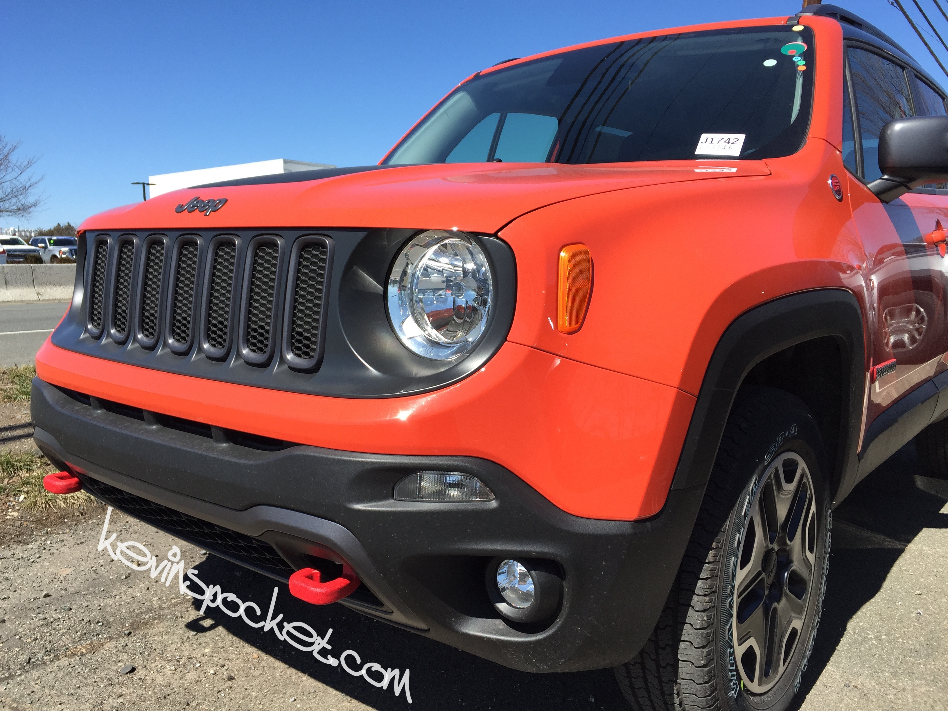 2015 jeep renegade trailhawk omaha orange 002 kevinspocket. Black Bedroom Furniture Sets. Home Design Ideas