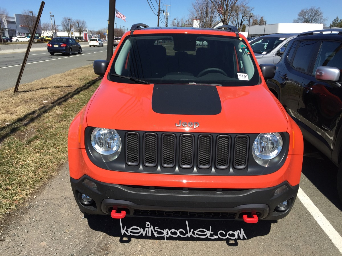 2015 jeep renegade trailhawk omaha orange 008 kevinspocket. Black Bedroom Furniture Sets. Home Design Ideas