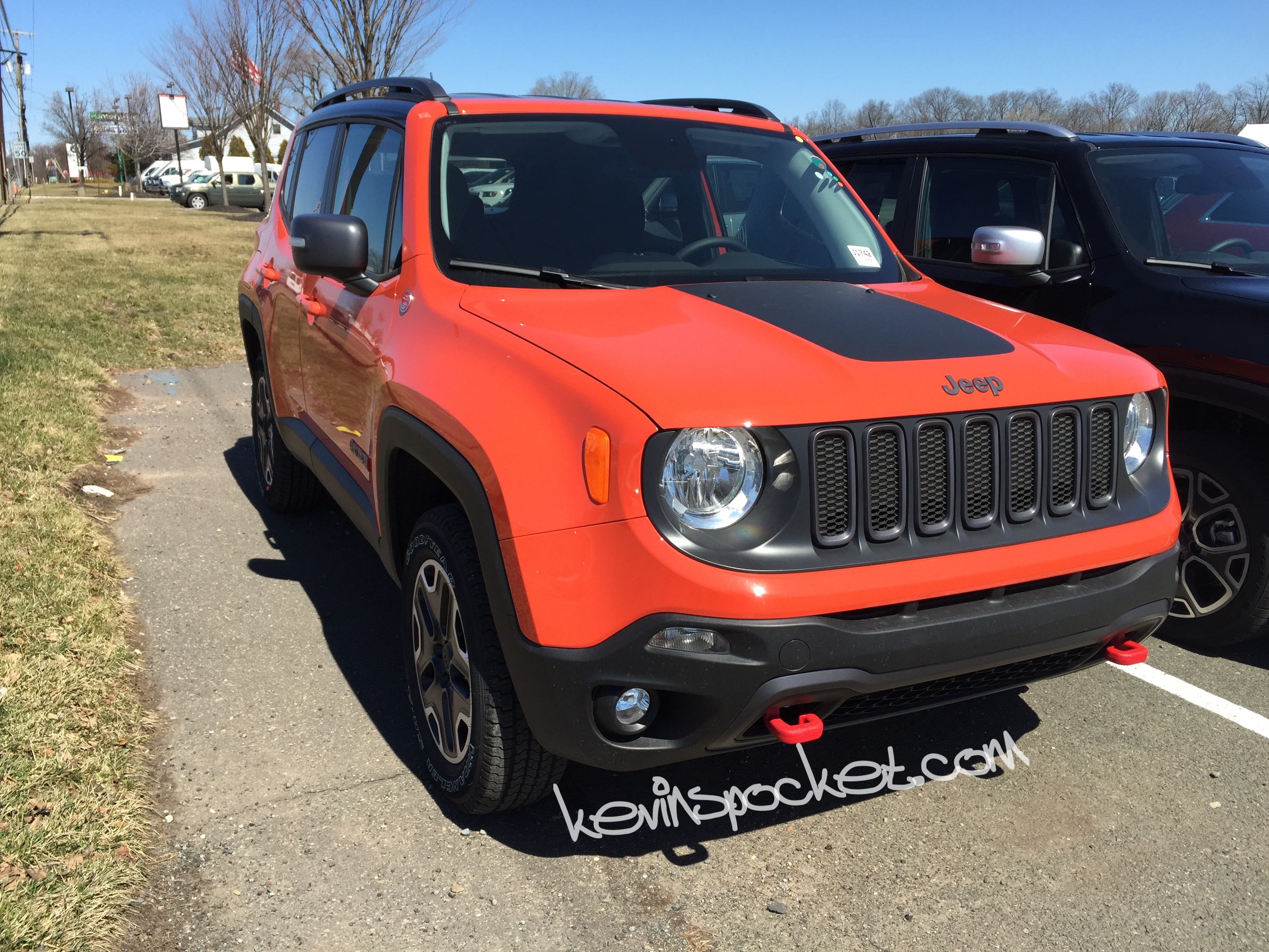 2015 jeep renegade trailhawk omaha orange 009 kevinspocket. Black Bedroom Furniture Sets. Home Design Ideas