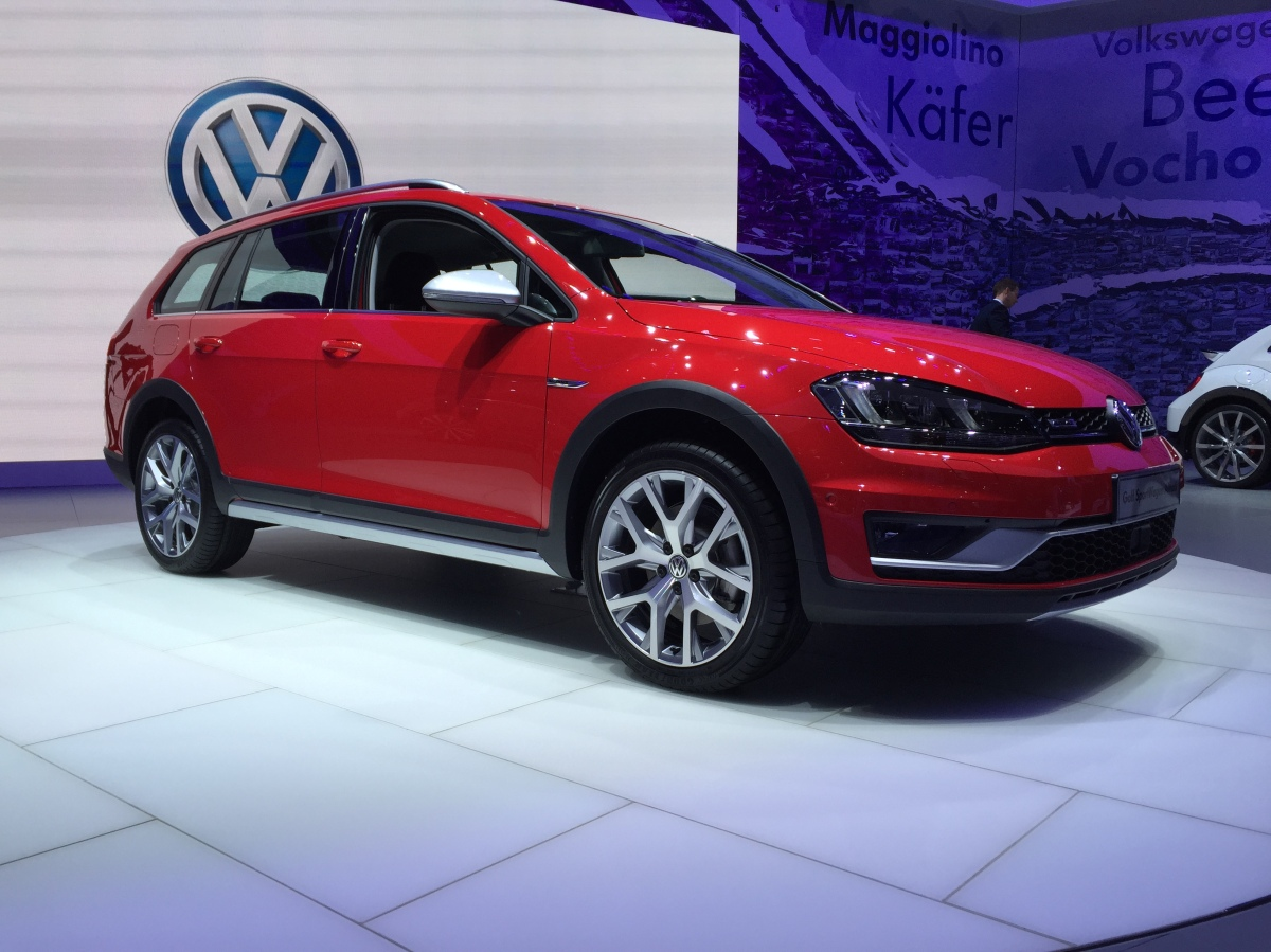 2017 Volkeswagen GolfWagen AllTrack - you had me at locking differentials