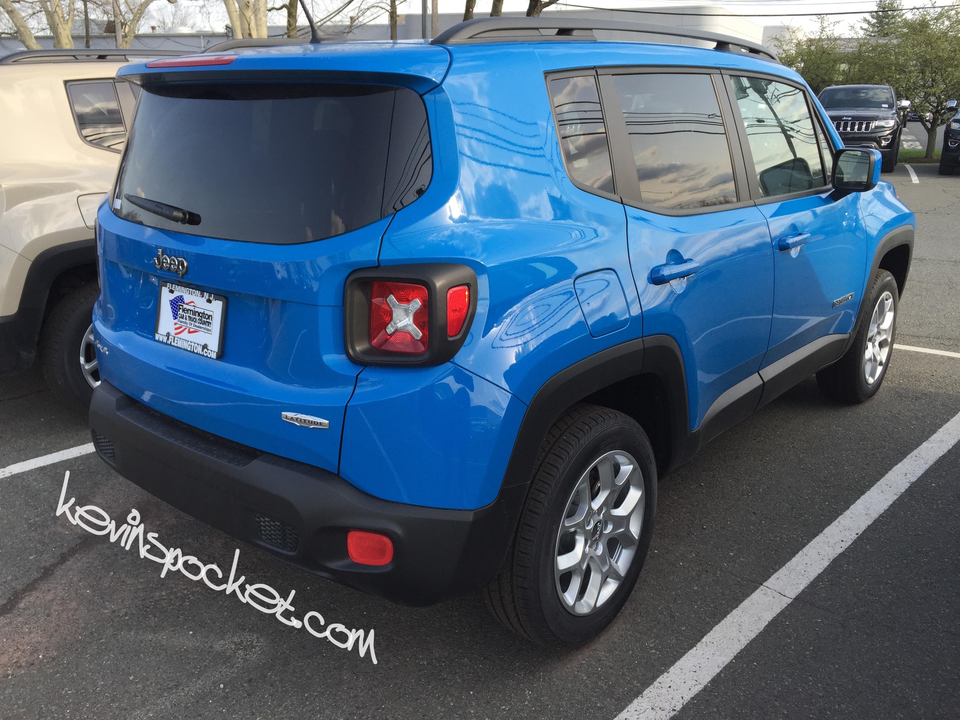 jeep renegade latitude sierra blue 8911 kevinspocket. Black Bedroom Furniture Sets. Home Design Ideas
