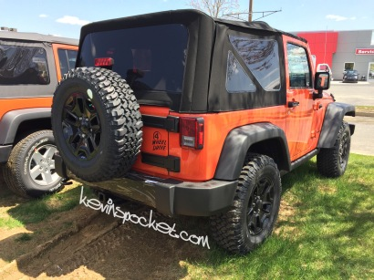 2015-Jeep-Wrangler-Sunset-Orange-Willys-Wheeler_9083