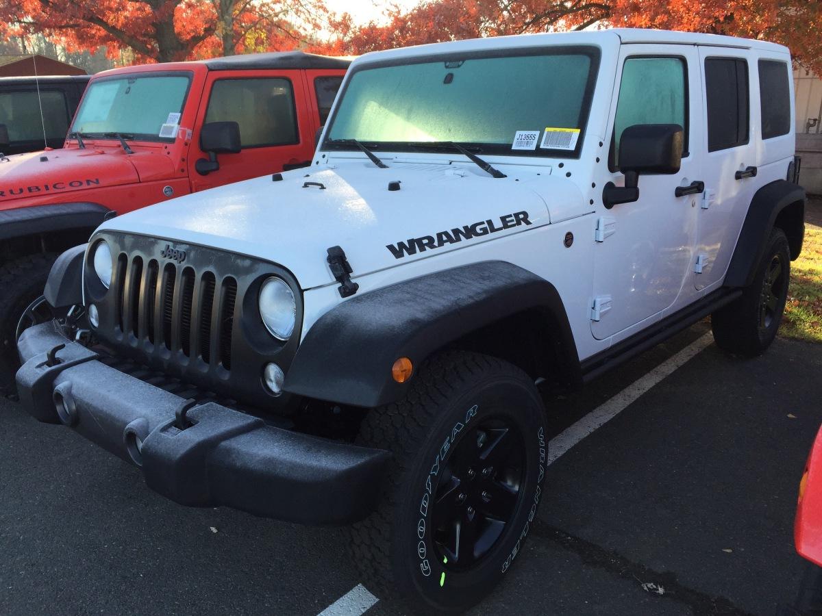Jeep Wrangler Black Bear - color match top