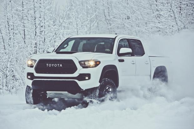 2017_Toyota_Tacoma_TRD_Pro_1