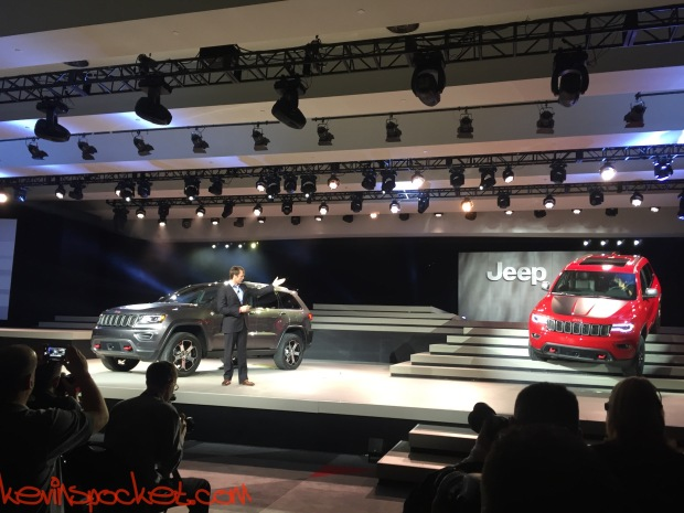 2017-Jeep-Grand-Cherokee-Trailhawk_NYIAS-Reveal_00046