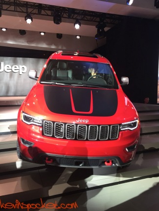 2017-Jeep-Grand-Cherokee-Trailhawk_NYIAS-Reveal_00078