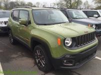 2016-Jeep-Renegade-75th-Anniversary-Jungle-Green_9111