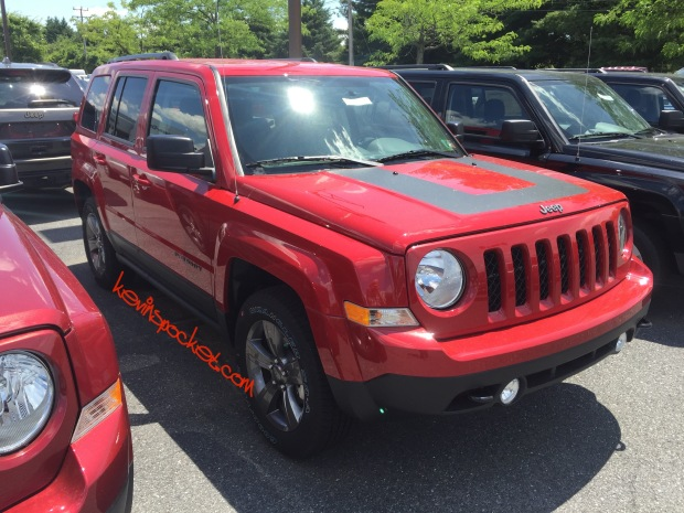 2016-Jeep-Patriot-Sport-SE_0603