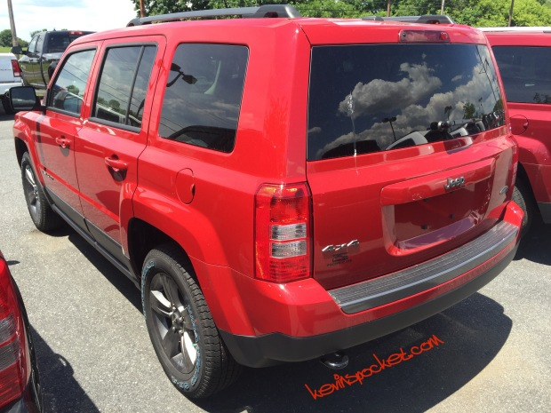 2016-Jeep-Patriot-Sport-SE_0607