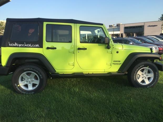 2016-Jeep-Wrangler-Hyper-Green_112