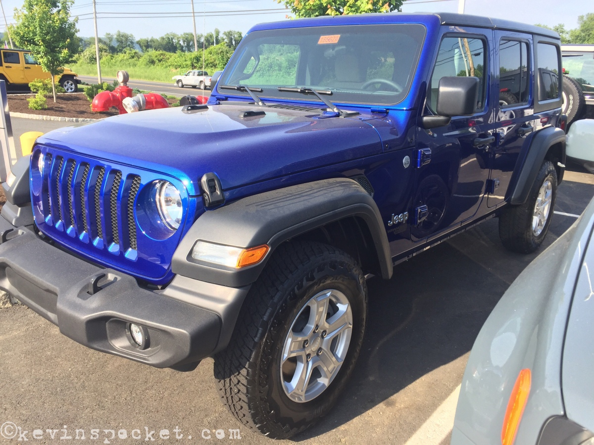 Ocean Blue JL Wrangler Sport Unlimited spotted